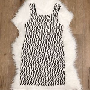 NWT TOPSHOP• 6 • black and white body con dress